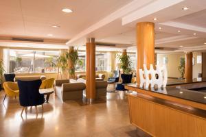De lobby of receptie bij htop Pineda Palace & SPA 4*Sup