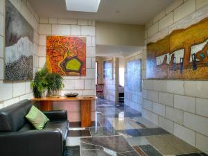 The lobby or reception area at Spring Spur