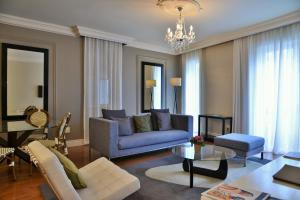 A seating area at Cape Royale Luxury Suites