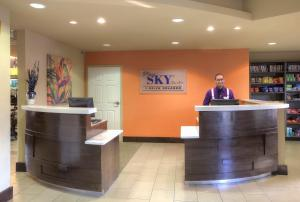 The lobby or reception area at staySky Suites I-Drive Orlando Near Universal