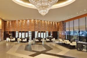 Un restaurante o sitio para comer en Hilton Cairo Heliopolis Hotel