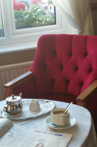 A seating area at Torbay Court Hotel