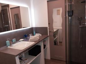 A bathroom at marseille la phocéenne