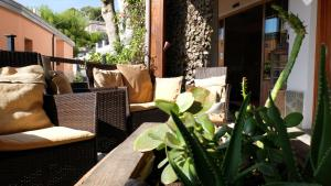 A restaurant or other place to eat at Albergo La Pineta