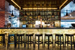 El salón o zona de bar de Ibiza Corso Hotel & Spa