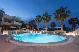 Πισίνα στο ή κοντά στο Sun Rise Hotel Apartments