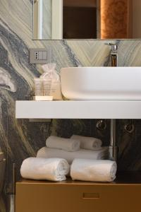 A bathroom at Santa Croce Boutique Hotel