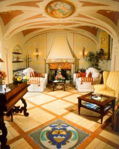 The lobby or reception area at La Contrada dei Monti