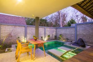 The swimming pool at or near A Villa Gili Air