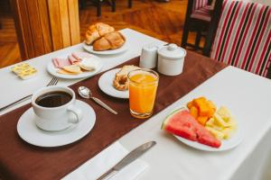 Breakfast options available to guests at Hotel Monasterio San Pedro