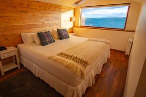 Cama ou camas em um quarto em Weskar Lodge