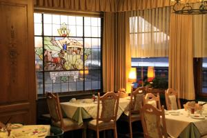 Restaurant ou autre lieu de restauration dans l'établissement Pension Post Rüdesheim