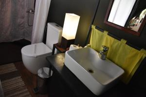 A bathroom at Mahoora - Yala by Eco Team - Level 1 Certified