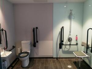 A bathroom at easyHotel Belfast