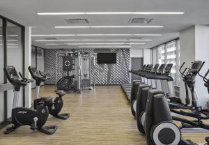 The fitness center and/or fitness facilities at Delta Hotels by Marriott Calgary Downtown