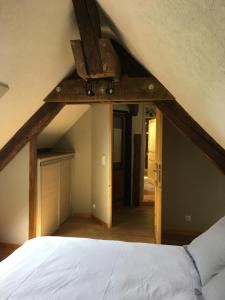 """Un ou plusieurs lits dans un hébergement de l'établissement Gîte**** """" La maison du charpentier """""""