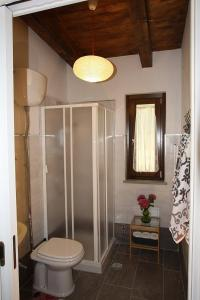 A bathroom at Santa Maria Villa Sleeps 4 Pool Air Con WiFi