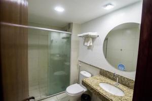 A bathroom at Garbos Trade Hotel