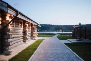 Бассейн в Freegreen cottages или поблизости