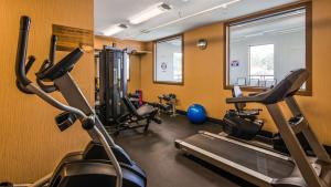 The fitness centre and/or fitness facilities at Best Western Plus Estevan Inn & Suites