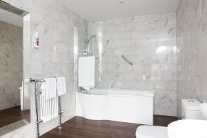 A bathroom at Winstanley House