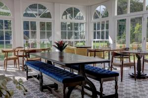 A restaurant or other place to eat at Hallgarth Manor House