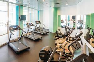 Фитнес-центр и/или тренажеры в Отель Ренессанс Самара