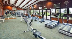 The fitness centre and/or fitness facilities at The Bayview Beach Resort