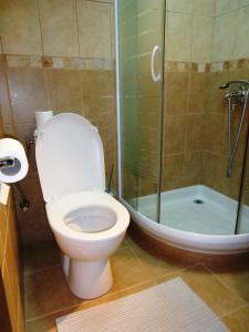 A bathroom at Hotel Pelikan