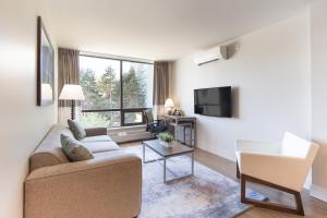 Ein Sitzbereich in der Unterkunft Gage Apartments at UBC