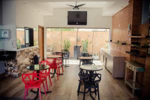 The lounge or bar area at Hotel Ipiranga Maringa