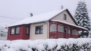 Ferienhaus zur schönen Aussicht during the winter