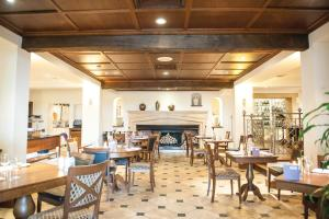 A restaurant or other place to eat at Kettering Park Hotel and Spa