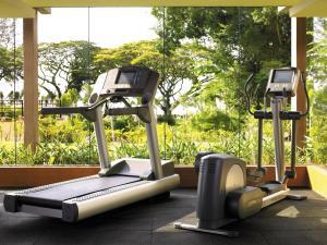 The fitness center and/or fitness facilities at Shangri-La Rasa Sayang, Penang