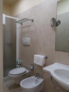 A bathroom at Hotel Marine