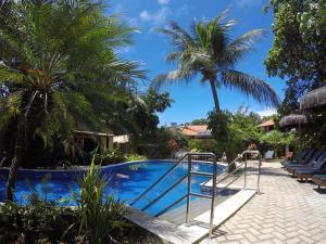 Het zwembad bij of vlak bij Pousada Coco Fresco