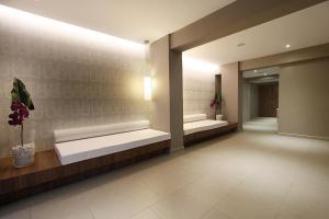 Zona de hol sau recepție la Hotel Java
