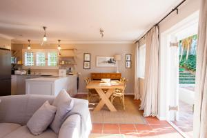 A seating area at 33 Strawberry Lane - Studio and Cottage