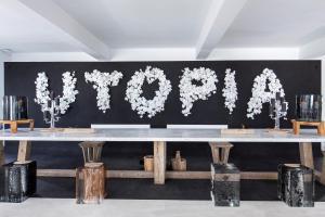 Hol lub recepcja w obiekcie Myconian Utopia Relais & Chateaux
