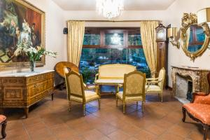 A seating area at La Fenice
