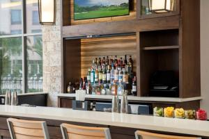The lounge or bar area at SpringHill Suites by Marriott Orlando Theme Parks/Lake Buena Vista