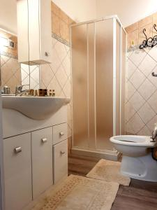 A bathroom at Dreaming Rome