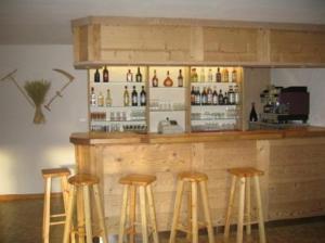 Lounge nebo bar v ubytování Alpen Roc