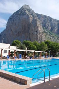 The swimming pool at or near Camping Village La Pineta