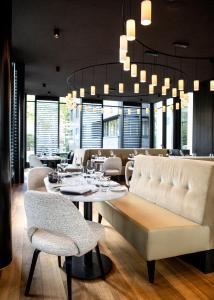 A restaurant or other place to eat at Pillows Grand Boutique Hotel Ter Borch Zwolle