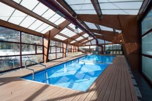 The swimming pool at or near SOMMOS Hotel Aneto