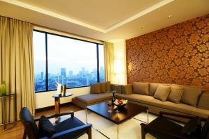 A seating area at Aetas Bangkok