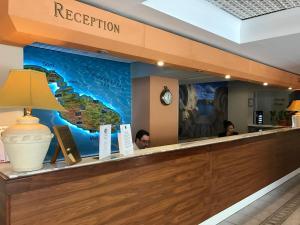 Zona de hol sau recepție la The Bugibba Hotel