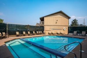 The swimming pool at or near Best Western Rocky Mountain Lodge