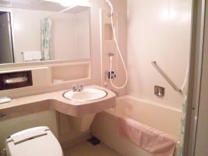 A bathroom at Onomichi View Hotel Seizan
